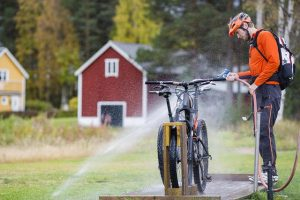How to maintain mountain bikes?